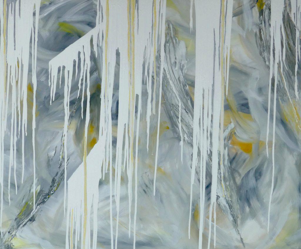 """Ein abstraktes Acrylbild mit dem Namen """"Repetition"""". Gemalt auf einer 120x100 cm großen Leinwand. Hauptfarbe ist grau und weiß, und es ist ebenfalls gelb vorhanden"""